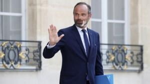 Voltallige Franse regering neemt ontslag, Macron wil beleid bijsturen met volledig nieuwe ploeg
