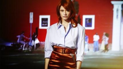 """LEES EN LUISTER. Het verhaal achter 'Rouge Ardent' van Axelle Red: """"Ik wil het opnieuw uitbrengen"""