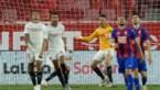Knotsgekke taferelen in Sevilla: aanvaller wordt doelman en redt ultieme poging van… doelman