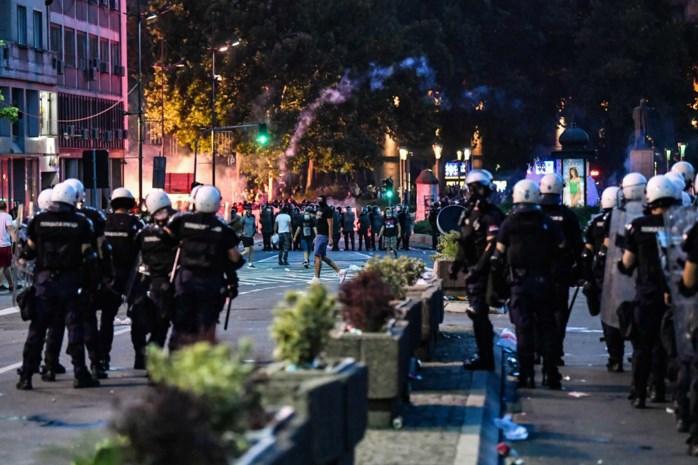Opnieuw rellen in Servische hoofdstad Belgrado na nieuwe lockdown-maatregelen