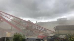 Grote kraan valt op gebouw in Londen, minstens één gewonde