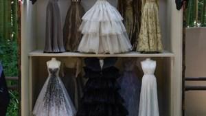 Dior maakt couturecollectie in miniatuurversie