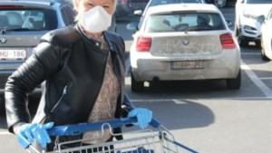 "Ook Hoge Gezondheidsraad pleit nu: ""Maak mondmaskers in winkels verplicht"""