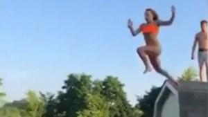 Pijnlijk: tiener wil via tuinhuis in het zwembad duiken, maar dat loopt faliekant af