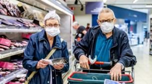 Waarom er zoveel weerstand is tegen mondmaskers in de winkel