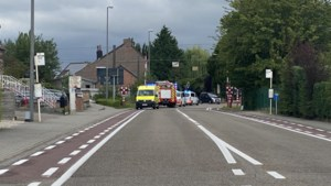 Fruitteler (51) overlijdt na ongeval aan overweg: