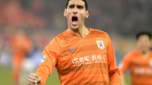 Marouane Fellaini voetbalt opnieuw én scoort meteen voor zijn Chinese club