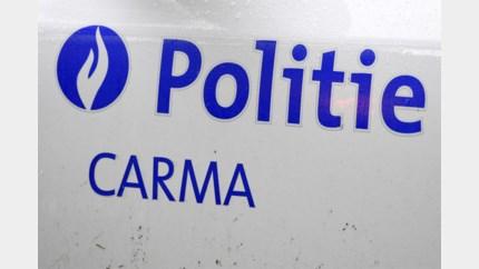 Chauffeur onder invloed rijdt weg van politie in Genk