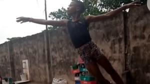 Elfjarige jongen uit Nigeria danst ballet in de regen en verovert de wereld