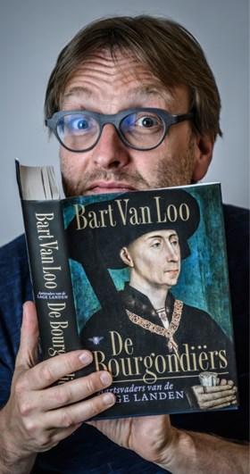 """Schrijver Bart Van Loo niet opgezet met speech Tom Van Grieken: """"Ik betreur het om gerecupereerd te worden"""""""