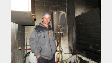 Defecte gasketel zet sanitaire ruimte in garage in lichterlaaie