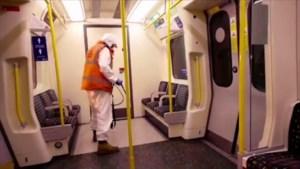 Zeldzame beelden: straatartiest Banksy toont hoe hij Londense metro beschildert