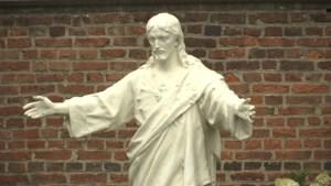 Nog 300 kerkgangers in Meeuwen-Gruitrode: kerkfederatie schrapt misvieringen van 78-jarige pastoor