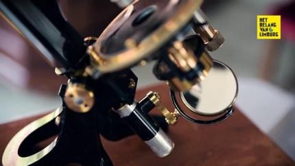 Peltenaar Bart heeft een passie voor antieke microscopen