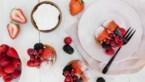 Sjiek zomerrecept: Bretoens gebak met vanillemousse en rode vruchten