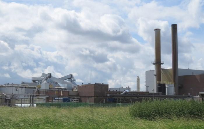 Brandweer rukt uit voor rookontwikkeling bij papierfabriek in Lanaken