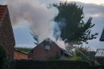 Uitslaande brand in stal in Nerem, twee kippen overleven het niet