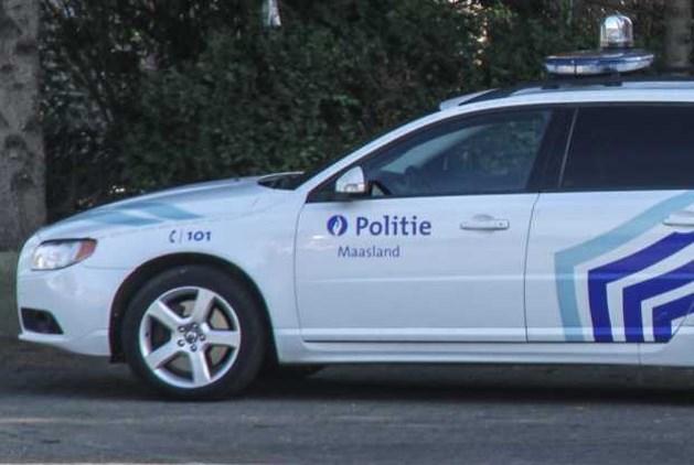 Bestuurster vlucht weg na ongeval in Neeroeteren
