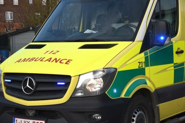 Fietser (12) lichtgewond na botsing in Paal