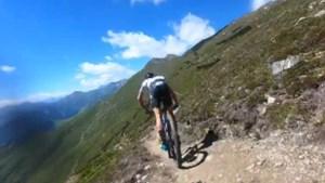 """Sven Nys moet alle zeilen bijzetten om Thibau te volgen op technisch mountainbikepad: """"Kan je nog volgen?"""""""