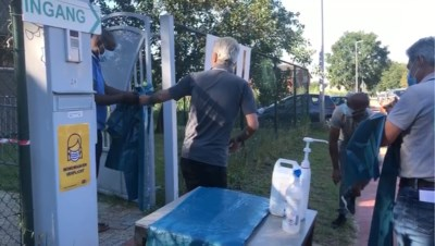 Tijdelijk coronaproof slachthuis in Genk op volle toeren voor offerfeest