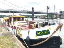 Excursie-yacht Miró ligt door coronacrisis werkloos op het Albertkanaal in Kanne