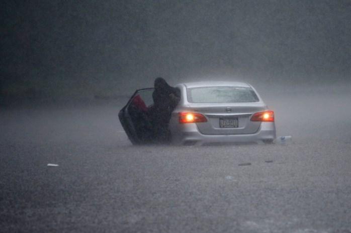 Een dode en verschillende gewonden door tropische storm Isaias