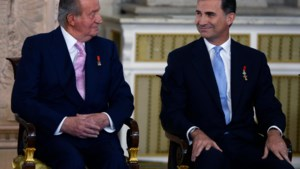 Van corruptie beschuldigde oud-koning Juan Carlos verlaat Spanje