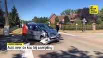 Auto over de kop bij aanrijding in Leopoldsburg