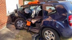 Zwaar verkeersongeval op Gruitroderkiezel in Bree: bestuurder zwaargewond