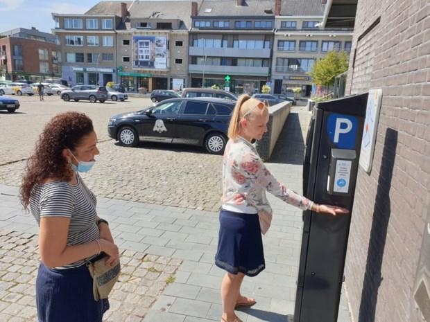 Wie in Diepenbeek parkeerticket neemt krijgt er alcoholgel bovenop