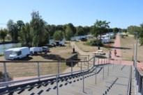 """Zuid-Willemsvaart plots in trek bij kampeerders: """"Ik snap niet dat dit mag"""""""