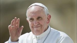 Paus Franciscus benoemt zes vrouwen voor topfunctie in het Vaticaan