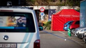 Persoon dood in auto aangetroffen op parking in Hasselt
