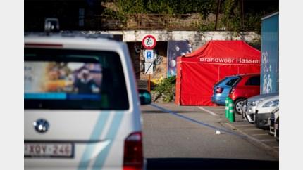 Vrouw (50) dood in auto aangetroffen op parking in Hasselt