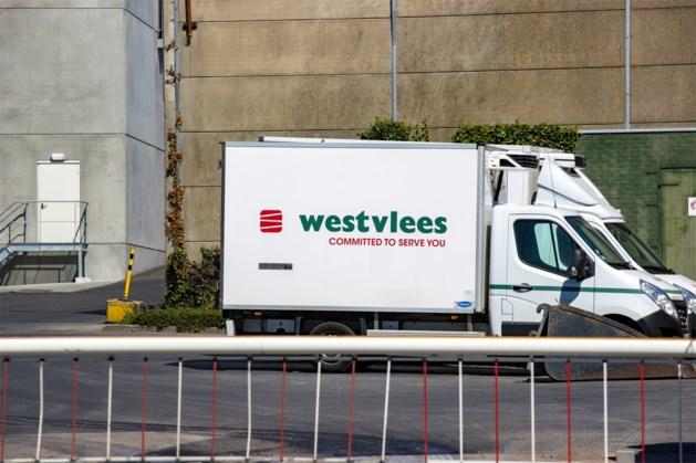 Crisisoverleg bij Westvlees: al 67 besmettingen vastgesteld in vleesbedrijf