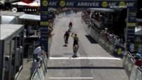 Jumbo-Visma en Ineos vechten strijd uit tijdens bergrit, met Roglic als winnaar in Tour de l'Ain