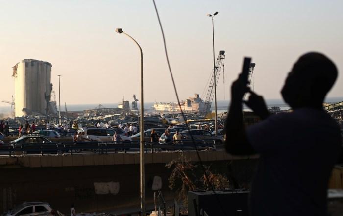 Libanese rechter beveelt aanhouding van topverantwoordelijken haven na explosie in Beiroet