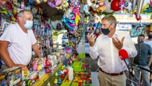 Jambon bezoekt Hasseltse kermis om foorkramers een hart onder de riem te steken
