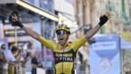 Hij doet het alweer! Wout van Aert klopt Julian Alaphilippe in Milaan-Sanremo en haalt eerste Monument binnen