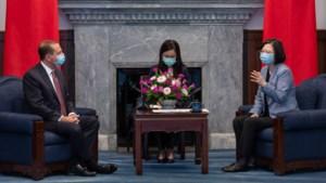 Amerikaans minister bezoekt en looft Taiwan, China woedend
