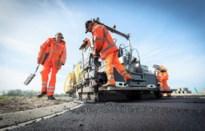 Nieuwe asfaltlaag moet diverse wegen opwaarderen