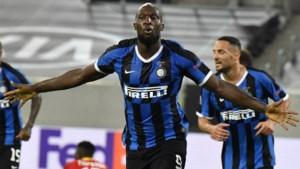 Romelu Lukaku leidt Inter naar halve finales en schrijft in één klap twee records op z'n naam