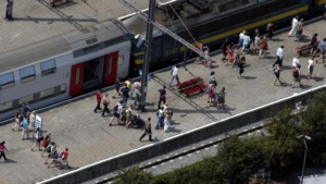 Gouverneur wil geen overvolle treinen meer richting kust