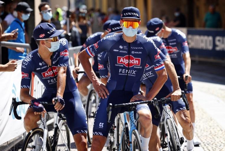 """Mathieu van der Poel verwacht geen sprint in eerste Milaan-Sanremo: """"Ik heb nog niet echt dat topgevoel te pakken"""""""