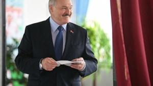 Is Loekasjenko's 'mega-zege' het verkiezingsbedrog te veel?