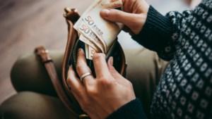 OPROEP. Eén op de tien heeft sinds corona spaargeld nodig om einde van de maand te halen