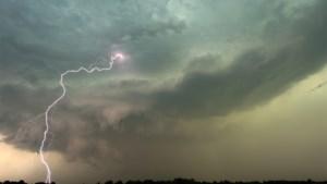 Code oranje: KMI waarschuwt voor zware onweders in Limburg tussen 17 en 23 uur