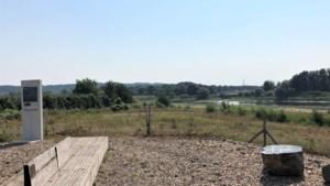 Zitbank voor de pioniers van het Grensmaasproject in Lanaken