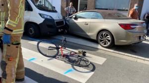 Fietser (54) uit Lanaken kritiek bij aanrijding door bestelwagen